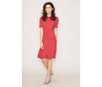 Tailliertes Kleid Pink