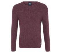 Der Pullover für Herren von  zeigt sich im attraktiven, melierten Baumwollstrick mit Rippabschlüssen an Ärmeln und Saum und weitem Rundhalsausschnitt.