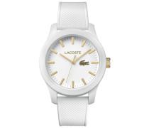 Uhr Lacoste.12.12 mit weisser Silikonbeschichtung und weissem Silikonarmband und gelbgold IP Akzenten auf dem Zifferblatt
