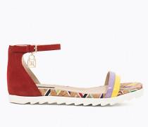 Sandale aus Waschleder und Lack