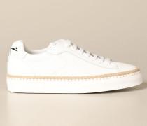 Sneakers aus Mikrostrukturiertem Leder