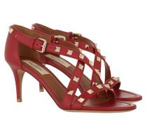 Rockstud Crossed Strap Sandal Rosso Sandalen