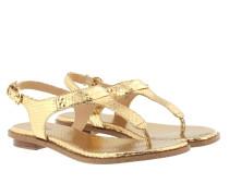 MK Plate Thong Sandal Metallic Pale Sandalen