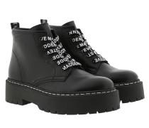 Boots Vlais Bootie Black