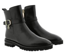 Boots AVA 15A Black
