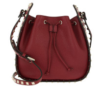 Rockstud Bucket Bag Medium Rubin Beuteltasche