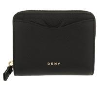 Bryant Park Carryall Wallet Black