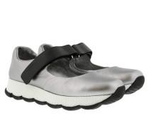 Sneakers In Pelle Con Velcro Argento Sandalen