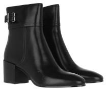 Boots Kenya Heeled Bootie Black