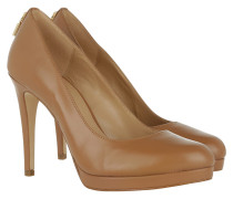 Antoinette Pump Acorn Pumps