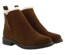 Boots Pioneer Oak