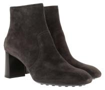 High Heel Bootie Suede Hematite Schuhe