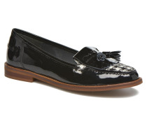 Deanne Slipper in schwarz