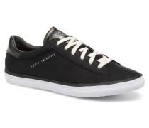 Riata Lace Up Sneaker in schwarz