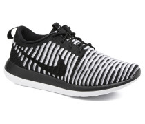 W Roshe Two Flyknit Sneaker in schwarz