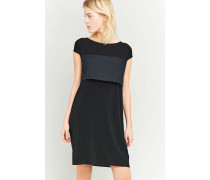 Kleid in Schwarz mit Schnürung hinten