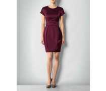 Damen Kleid in femininem Design
