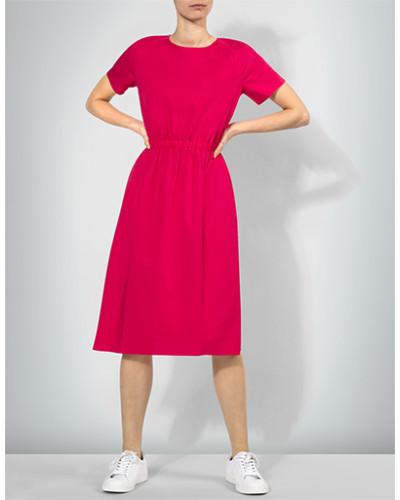 Kleid im cleanen Look