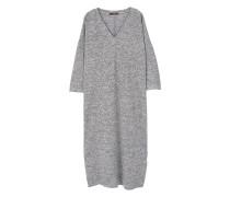 Kleid mit v-ausschnitt