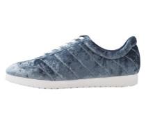 Samt-sneakers
