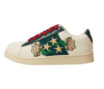 Sneakers mit kontraststickerei
