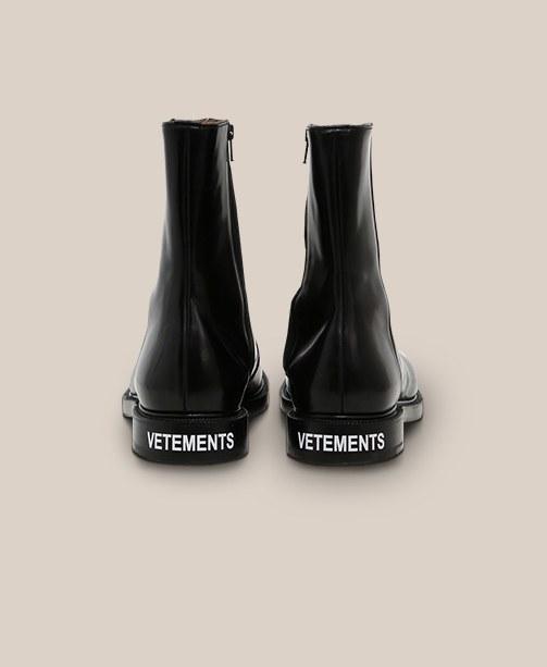 Schuhe von VETEMENTS