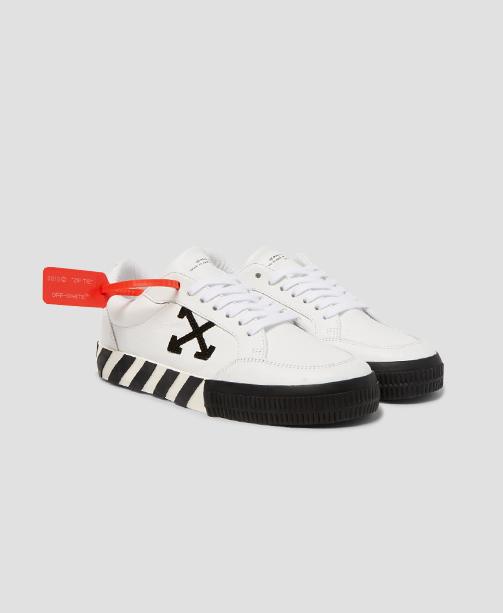 Off-White Sneaker